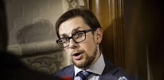 la minister forsvarer opjustering af det offentlige forbrug mx dk