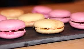 cours de cuisine macarons cours de pâtisserie à lyon créez vos macarons activité à lyon