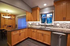 cuisine en pin cuisine meuble de cuisine en pin fonctionnalies moderne style