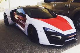 police lamborghini veneno abu dhabi police get 2m 239mph supercar as their new patrol vehicle
