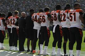 I Pledge Allegiance To The Flag Lyrics Do Nfl Rules Say Players Must Stand During The Anthem Q13 Fox News