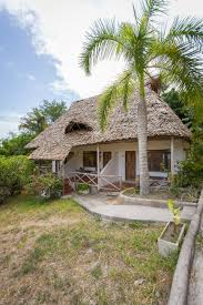 img 8300 av helene fosse bomani beach bungalows
