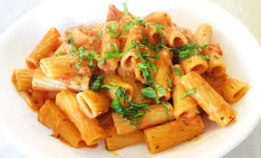 tomato and cream pink sauce with rigatoni pasta