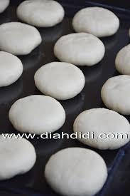 cara membuat donat agar mengembang diah didi s kitchen tips menguleni adonan roti atau donat