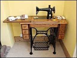 Sewing Machine With Table Singer 5 Drawer Cabinet Table Oldsingersewingmachineblog