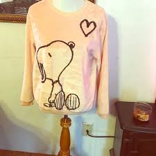 47 peanuts tops snoopy sweater from s