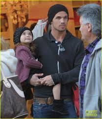 cam gigandet pottery barn kids with everleigh photo 2610626