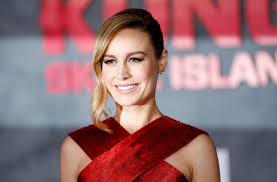 brie larson casey affleck brie larson has awkward interview about oscars moment with casey