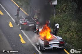 lamborghini murcielago lamborghini murcielago roadster burns on german autobahn photos