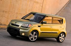 used car connoisseur 2010 kia soul driving