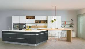 photo de cuisine amenagee cuisine avec îlot central modèle sensations pour luminaire cuisine