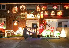 4k christmas decorations light up straight road harold hill