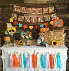 Halloween Baby Shower Party Supplies by Best 25 Fall Baby Showers Ideas On Pinterest Baby Shower Fall