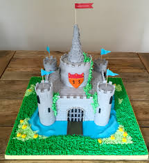 i absolutely loved this castle cake from the