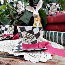 mini checkered mad hatter top hats in set