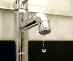 fixing a leaking kitchen faucet fix kitchen faucet how to fix leaking kitchen faucet