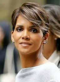 harry berry hairstyle short hair inspiration halle berry s current side swept cut