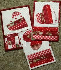 Quilted Mug Rug Pattern Pretty Red U0026 White Patchwork Heart Mug Rugs U2026 Pinteres U2026