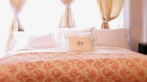5 simple steps to a hotel bed at home abc news