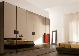 miroir dans chambre à coucher design interieur armoire dressing portes miroir chambre coucher