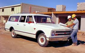 chevy suburban chevrolet suburban through the years carsforsale com blog
