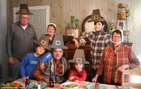 hilarious thanksgiving family photographs revealed daily mail