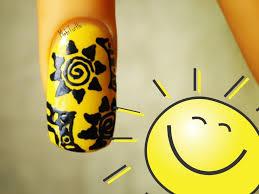 summer sunshine design using konad nail art pen in black pearl no