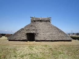 in the early kofun period the houses had thatched pitched houses