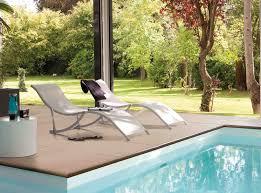 amenagement autour piscine hors sol amenagement bord piscine top amenagement paysager au bord et