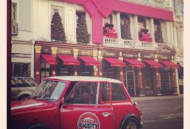 christmas lights tour of london in british classic car