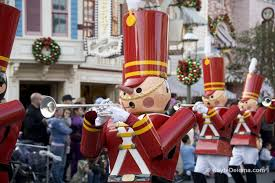 christmas at disneyland and disney california adventure