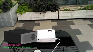 Backyard Projector Screen by Compare The Outdoor Projector Screen Enclosure Vs Outdoor Tv