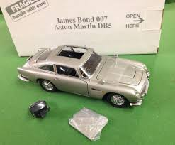 aston martin classic james bond a boxed danbury mint james bond 007 silver aston martin db5 in