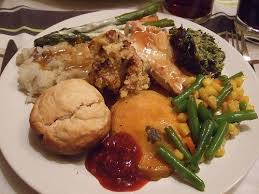 thanksgiving dinner looks thanksgiving