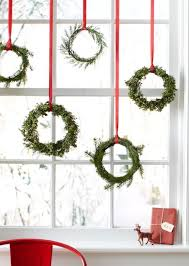 home christmas decorations ideas 35 christmas décor ideas in traditional red and green digsdigs