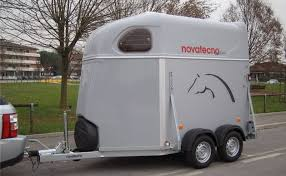 cerco carrello porta auto trailer trasporto cavalli novatecno