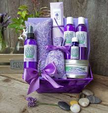 lavender gift basket lavender aromatherapy gift set by lavender fanatic aromatherapy