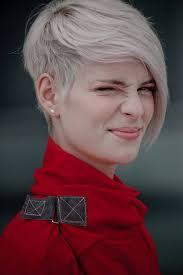 hair that is asymetric in back funky asymmetrical haircut 05 latest hair styles cute modern