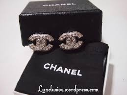 cc earrings sold bnib chanel cc earrings clip on