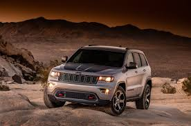 commando jeep 2017 fullsize four wheeler jeep adds trailhawk goodies to 2017 grand