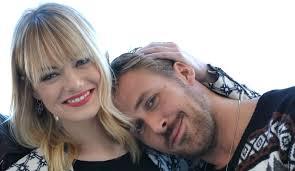 ryan gosling emma stone couple film ryan gosling reunites with emma stone eva mendes supports blade
