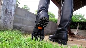 engineer biker boots embossy big engineer boss boots youtube