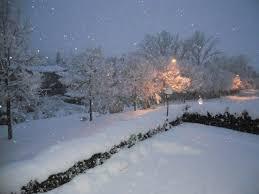 tralicci per ricanti continua a nevicare tanti disagi cade un traliccio dell alta
