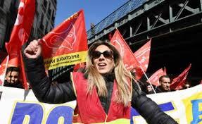 bureau sncf marseille grève des fonctionnaires en direct la sncf compte 35 4 de