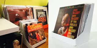Vinyl Record Wall Mount Flipbin Brings Your Favorite Vinyl Records To The Front Cool Hunting