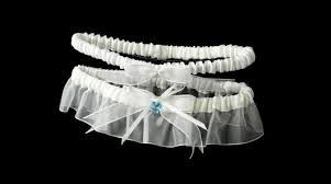 Wedding Garters Do You Have To Wear A Wedding Garter The Wedding Community