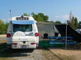 Best Way To Clean Rv Awning Rv Awning Tips And Tricks Roadtreking The Rv Lifestyle Blog