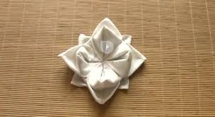Pliage De Serviette En Papier 2 Couleurs Papillon by Le Pliage De Serviette En Forme De Lotus Prima