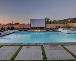 Backyard Projector Outdoor Projector Screen Houzz