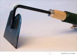Different Types Of Garden Hoes Nice Picture Of A Garden Hoe Pictures Inspiration Garden And